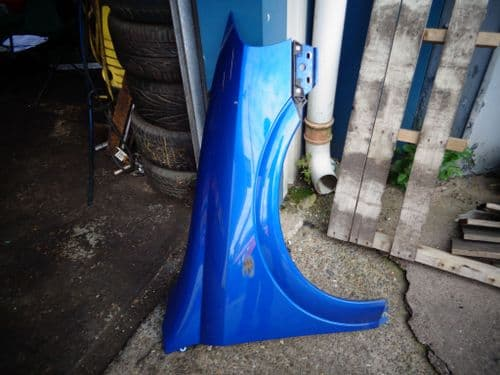 ASTRA Mk4 O/S (drivers) WING IN EUROPA BLUE.