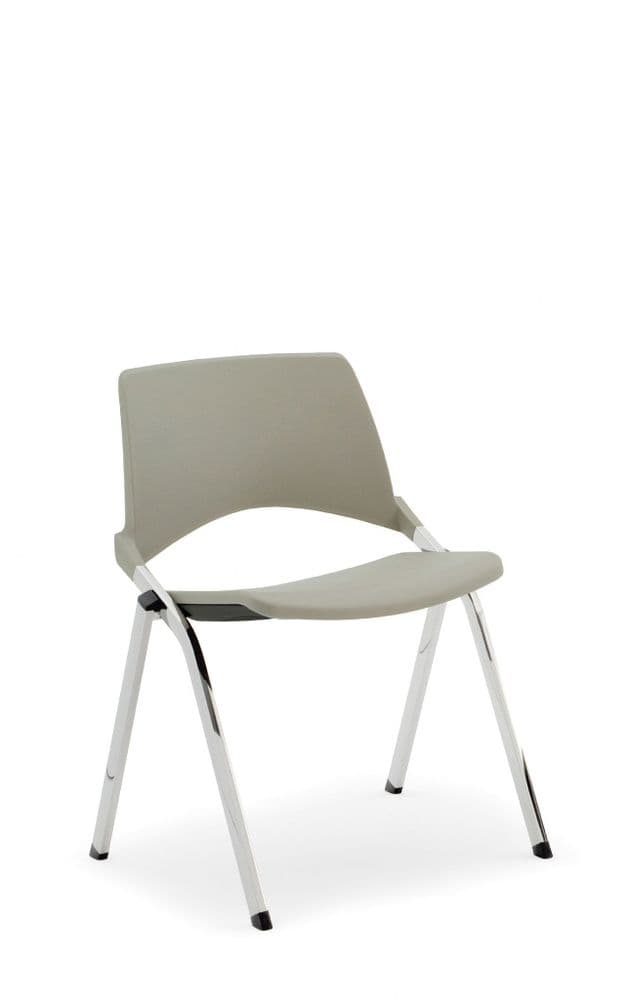 Pledge La Kendo Meeting Chair With 4 Leg Base And Plastic Back