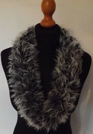 Faux Fur Cowl Knitting Kit