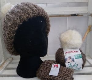 Faux fur pompom hat knitting kit