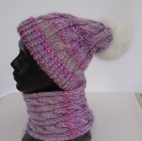 Pompom hat and cowl knitting kit