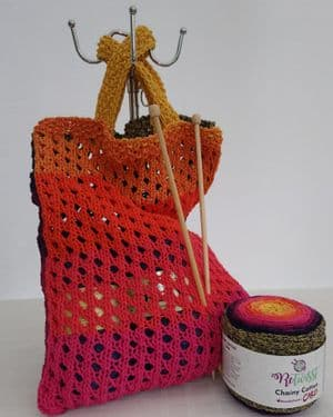 Shopping bag knitting kit from recycled yarn