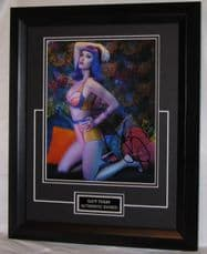 A739KP KATY PERRY SIGNED