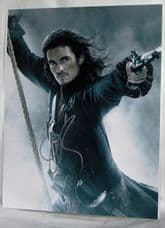 """A758OB ORLANDO BLOOM - """"PIRATES OF THE CARIBBEAN"""" SIGNED"""